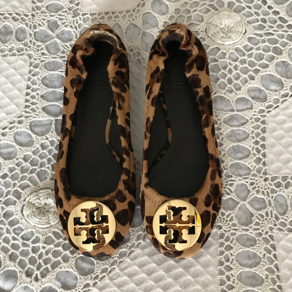 24030609509 Tory Burch Shoes - 🔥TORY BURCH Reva Leopard- Print Calf Hair Flats